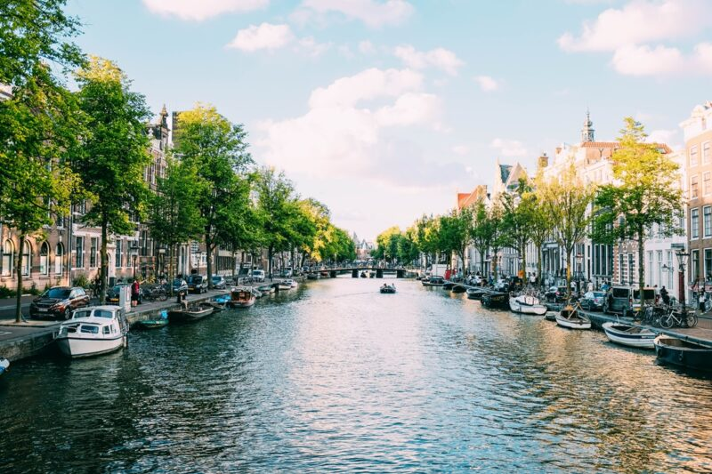 amsterdam by manuel alonso